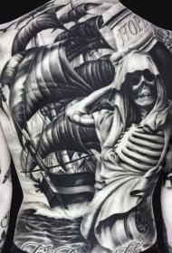 背部惊人的大规模船舶和骷髅骨架纹身图案