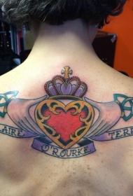 old school背部彩色手心形和字母皇冠纹身图案