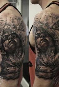 大臂灰色的阿兹特克武士莲花纹身图案