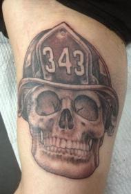 消防员纪念骷髅和帽子手臂纹身图案
