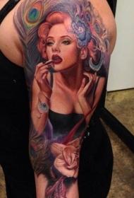 手臂写实的美丽女孩肖像纹身图案