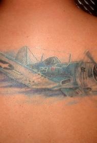 背部彩色的螺旋飞机纹身图案