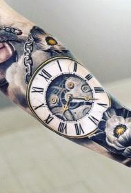 手臂非常逼真多彩的时钟与花朵纹身图案