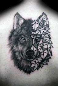 背部半写实半几何式的狼头纹身图案