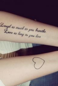 可爱的黑白心形和字母手臂纹身图案