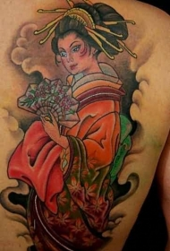 背部可爱的亚洲艺妓的彩色纹身图案