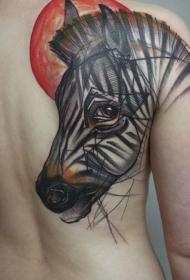 背部有趣的设计彩色斑马头像和太阳纹身图案