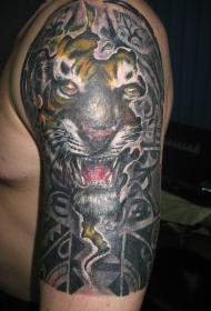 大臂彩色的老虎头像纹身图案