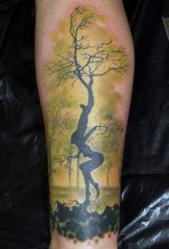 令人敬畏的怪异女人树纹身图案