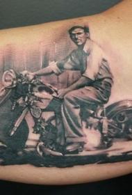 很棒的老式摩托车手臂纹身图案