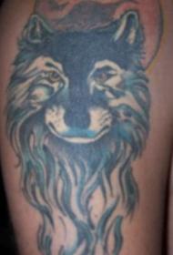 美丽的蓝狼头与月亮纹身图案