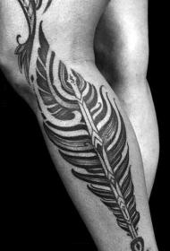 小腿漂亮的黑白羽毛纹身图案