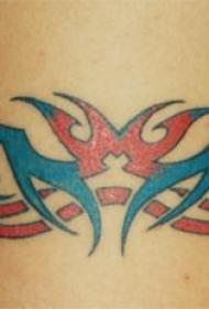 蓝色和红色部落标志纹身图案