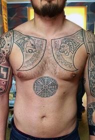 男性胸部中世纪盔甲和神秘符号纹身图案