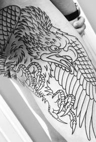 大腿和臀部黑色线条鹰纹身图案