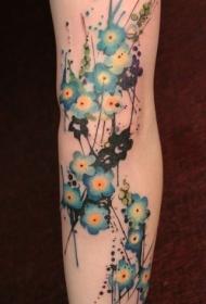 可爱的蓝色花朵纹身图案
