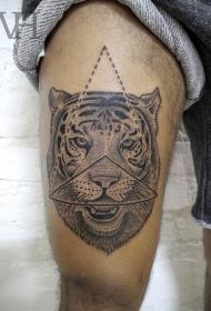 大腿雕刻风格黑色三角形与老虎纹身图案