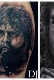 小腿写实著名好莱坞演员肖像纹身图案