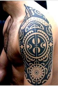 黑色毛利部落图腾纹身图案