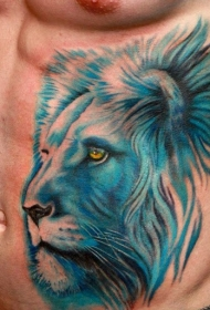 腹部逼真的浅蓝色狮子头部纹身图案