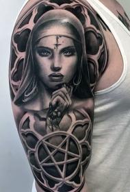 大臂黑灰风格恶魔女人和五角星纹身图案