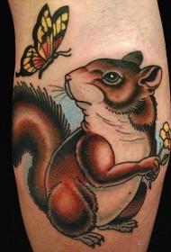 蝴蝶和卡通松鼠纹身图案