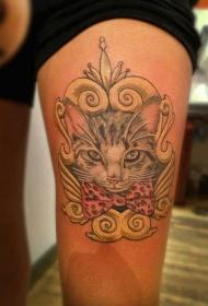 大腿彩色猫与蝴蝶结纹身图案
