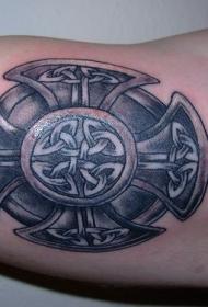 凯尔特风格的马尔他十字架纹身图案