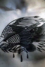 胸部黑色old school鹰与树叶纹身图案