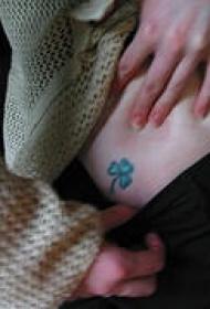 小清新绿色三叶草纹身图案