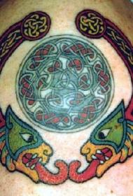 凯尔特结和神话生物彩色纹身图案