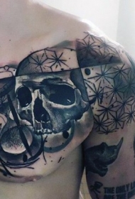 胸部逼真的黑灰骷髅与沙漏纹身图案