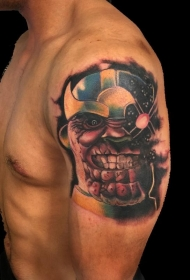 大臂彩色邪恶的卡通超级英雄纹身图案