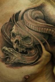 胸部黑色骷髅和蛇纹身图案