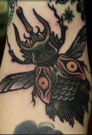 深色的鹿角甲虫纹身图案