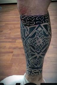 小腿黑色的凯尔特风格各种结纹身图案