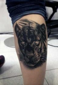 小腿写实风格黑豹头部纹身图案