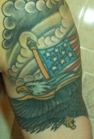 美国国旗和鹰云朵纹身图案