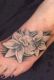 女性脚背灰色百合花纹身图案