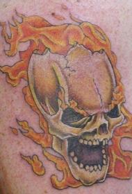邪恶骷髅和火焰纹身图案