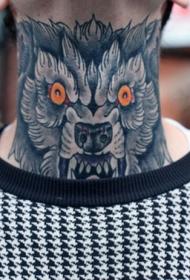 脖子红色的眼睛狼头纹身图案