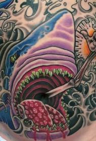 腹部彩色神秘的鲨鱼和骷髅手纹身图片