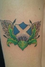 肩部彩色苏格兰旗帜纹身图案