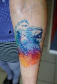 手臂有趣的水彩色狮子头纹身图案