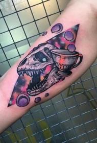 大臂内侧new school恐龙头骨和小行星纹身图案