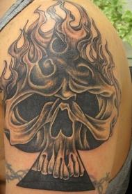 燃烧着火焰的骷髅黑桃A纹身图案