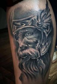 腿部逼真的老战士肖像纹身图案