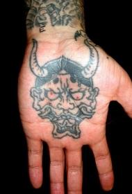 手掌心可怕的恶魔纹身图案