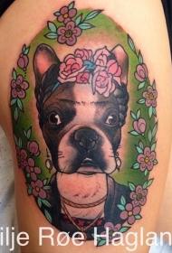 new school彩色大腿狗和花朵纹身图案