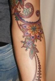 手臂老派风格彩绘大花图腾纹身